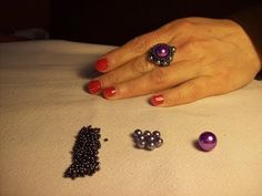 DIY how to make a ring using superduo beads and a pearl/gemstone - YouTube