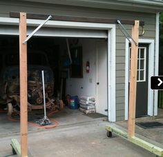 Homemade gantry crane constructed from lumber and powered by a hoist. Garage Lift, Diy Garage, Garage Ideas, 4x4 Lumber, Home Workshop, Workshop Ideas, Garage Workshop, Building A Pole Barn, Gantry Crane