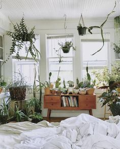 50 what you don&;t know about boho hippy bedroom room ideas cozy might shock you 32 50 what you don&;t know about boho hippy bedroom room ideas cozy might shock you 32 Marjolijnha Marjolijnha home sweet […] Room boho hippie Stylish Home Decor, Aesthetic Room Decor, Interior, Home Decor, Room Inspiration, House Interior, Room Decor, Bedroom Decor, Aesthetic Bedroom