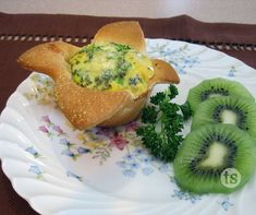 A St. Patrick's Day breakfast with green eggs and ham.