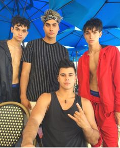 The Dobre Twins, Marcus And Lucas, Logan And Jake, Lucas Dobre, Marcus Dobre, Ariana Grande Fans, Famous Youtubers, Cute White Boys, Ohana Means Family