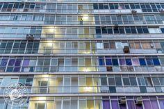 Graphisme typique d'immeubles fonctionnels et sans âmes, Praça da Sé, Salvador de Bahia, Brésil © Clément Racineux / Tonton Photo