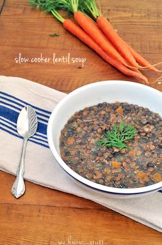 This slow cooker lentil soup recipe is perfect for when you need a quick and easy dinner idea. we know stuff | slow cooker lentil soup | www.weknowstuff.us.com