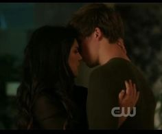 I miss the Liam and Annie pairing and 90210 so much. :(