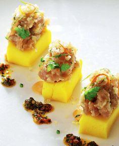 Causa con tartar de atún y quinoa