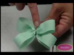 """Video Tutorial 4"""" Wide Boutique Bowdabra Hair Bow - YouTube - not crazy about the color combo, but otherwise pretty good"""