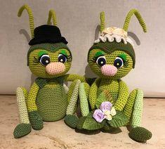 Yazzies Haekelstuebchen - Jessica Behrendt - Happy spring bugs Grace and Garett Grasshopper - Russian translated Crochet Bee, Crochet Fairy, Crochet Dragon, Diy Crochet And Knitting, Cute Crochet, Crochet Dolls, Crochet Animal Patterns, Amigurumi Patterns, Amigurumi Doll