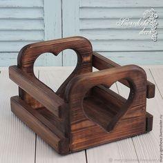 Pin on Craft Pin on Craft Pallet Crafts, Wooden Crafts, Wooden Diy, Handmade Home Decor, Handmade Furniture, Handmade Decorations, Wooden Shelf Design, Homer Decor, Wooden Basket