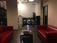 Un altro salotto di attesa per i clienti
