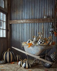 Preppy Empty Nester: Black & White and Fall All Over