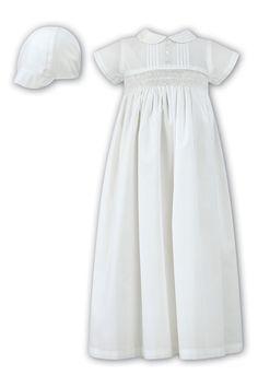 Christening Gowns For Girls, Baptism Dress, Little Girl Dresses, Flower Girl Dresses, Pastel Color Dress, White Boys, Simple Style, Ruffle Blouse, Cap