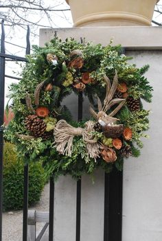 Holiday Wreath Ideas - via Deborah Silver. luv bow.