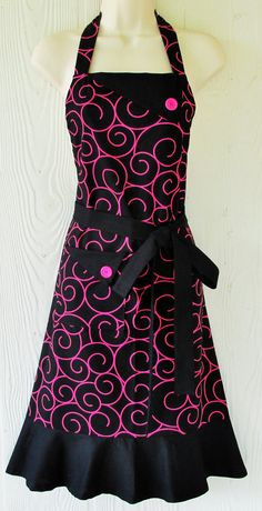 He encontrado este interesante anuncio de Etsy en https://www.etsy.com/es/listing/207723149/black-and-pink-apron-womens-full-apron