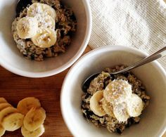 The healthy muesli recipe that will change your mornings by chatelaine:Your breakfast just got easier, faster and more satisfying. This healthy breakfast recipe is full of protein, and fibre to regulate blood sugar and keep you fuller, longer. Healthy Muesli Recipe, Healthy Breakfast Recipes, Best Breakfast, Healthy Treats, Vegan Breakfast, Breakfast Ideas, Healthy Foods, Healthy Recipes, Good Food