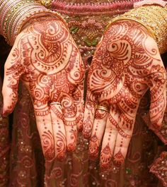 This post will showcase some of the most beautiful examples of mehndi designs. Check out the complete list of 25 Most Beautiful Mehndi Designs from below. Rajasthani Mehndi Designs, Arabic Mehndi Designs, Bridal Mehndi Designs, Bridal Henna, Arabic Henna, Rangoli Designs, Indian Bridal, Wedding Designs, Mehandi Design For Hand
