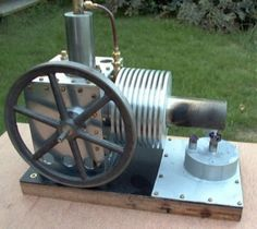 A Stirling Engine - This engine was built as a Gamma configuration which meant it had separate power piston and displacer piston assembly Kinetic Energy, Solar Energy, Stirling Engine, Steam Engine, Alternative Energy, Metal Working, Engineering, Outdoor Theatre, Separate