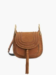 The Hudson Shoulder Bag made of a complex mix of leather will bring bohemian style and cool feminine confidence to the Chloé's girl who wears it.