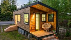 How Did The Tiny House Movement Get Started - Tiny Spaces Living Tiny House Movement, Tiny House Living, Small Living, Tiny House Hotel, Tiny House Rentals, Tiny House Family, Living Room, Living Spaces, Casas Containers