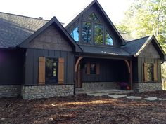 Beautiful Small Cottage House Exterior Ideas - Page 44 of 65 Mountain Home Exterior, Black House Exterior, Rustic Houses Exterior, House Paint Exterior, Exterior House Colors, Exterior Design, Log Homes Exterior, Modern Exterior, Rustic Home Exteriors