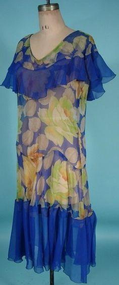 Antique Dress - Beautiful blue flapper dress.