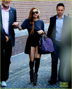 Lady Gaga: Louis Vuitton Dyed Brown Hair! I love her, beauty queen :)