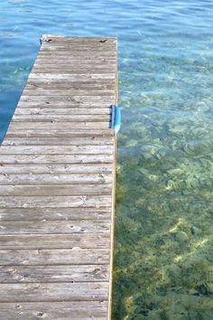 """Les eaux claires de l'Attersee, qui lui ont valu le surnom de """"mer du Salzkammergut"""", Autriche #Austria Rando, Week End, Beach Mat, Outdoor Blanket, Austria, Automobile"""