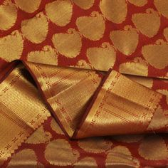I love kanchipuram sarees...they do brighten my day and life!