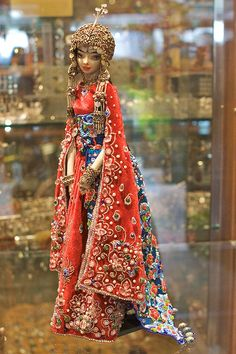 https://flic.kr/p/7CkSGg | Scheherazade | This doll was sold within the hour of opening the doors.  From the Enchanted Doll showing at Dragonspace on Granville Island in Vancouver (Feb 6th to March 6th).