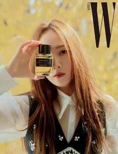 """181121 Photo of Jessica for luxury perfume brand """"Editions de Parfums Frederic Malle"""" in W Korea magazine in December."""