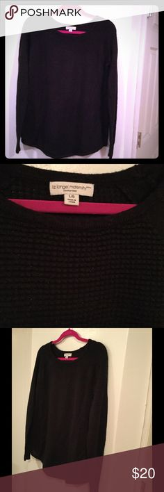 Liz Lange Maternity Sweater in Large Beautiful textured sweater in Black with Hints of Silver in Large! 69% Acrylic  24% Rayon 7% Other Fibers Liz Lange Sweaters Crew & Scoop Necks