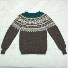Traktorgenser (oppskrift) | MAJAS HOBBYKROK Knitting Machine Patterns, Cropped Cardigan, Big Love, Drops Design, Kids And Parenting, Ravelry, Free Pattern, Diy And Crafts, Pullover