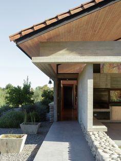 kazu721010: Country House / Paula Livingstone + Max Velasco