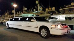Lincoln Limo suitable For Bachelor parties, proms, weddings, group outings and many more. Call for quote on this luxurious vehicle.   #limo #limousine #partybus #charterbus #busrental #travel #transportation #wedding #birthday #bachelor #bachelorette #party