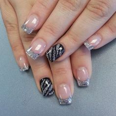 French nails with grey glitter plus ring finger nail in black and grey striped zebra stripes Fabulous Nails, Gorgeous Nails, Pretty Nails, Perfect Nails, Hot Nails, Hair And Nails, Zebra Nail Art, Purple Nail Art, Leopard Nails