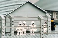 Lego concentration camp 1996 -the most famous of ZBIGNIEW LIBERA'S works that reveal the mechanisms of upbringing education and cultural conditioning Lego Models, Liberia, Lowbrow Art, Modern History, Lego Brick, Conceptual Art, Types Of Art, Sculpture Art, Contemporary Art