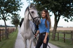 Dressyrponny mot FEI. Hästar säljes Horse Fencing, Charro, Horse Pictures, Horse Photography, Wild Horses, Dressage, Beautiful Horses, Cows, Equestrian
