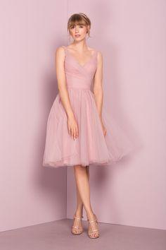 0b42cae2e10 13 Delightful knee length bridesmaid dresses images