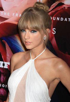 Updo Hairstyles 2014 Taylor Swift's Updo Hairstyle Taylor Swift Sexy, Taylor Swfit, Taylor Swift Facts, Taylor Hill, Taylor Swift Pictures, Taylor Alison Swift, Beyonce, Rihanna, Fashion Milano
