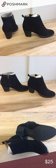 New Black Booties Lands End Black Boots. NWOT! Size 6. Also I Follow All Posh Rules & No Trades. An Unless It Says Sold, It's Still Available! Everything Comes Clean From A Smoke Free Home! Thank You! Don't Forget To Bundle & Happy Poshing! ☕️🌵 Lands' End Shoes Ankle Boots & Booties