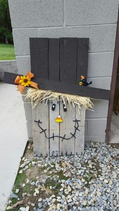 Scarecrow pallet