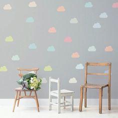 Adesivo Little Clouds Color, 10x6,5 cm, 69,90 reais a cartela com 28 unidades na Decohouse