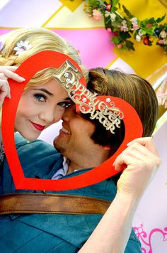 The person who made this heart and handed it to all the couples? Genius! Rapunzel and Flynn, True Love Week.