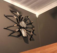 Edderkopp av tre kjøpt i Kroatia Ceiling Fan, Villa, House, Home Decor, Ceiling Fans, Room Decor, Ceiling Fan Pulls, Haus, Home Interior Design