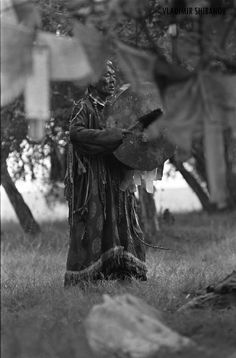 "https://flic.kr/p/8Ftm1b | Adyg Eeren shamanic society in Tuva | Adyg-Eeren (Spirit of Bear) shamanic society in Tuva, Siberia, Russia. Nikon FM3a. Photo by Vladimir Shibanov. More about Shamans of Tuva: <a href=""http://www.flickr.com/photos/shibanov/sets/72157624841612605/"">www.flickr.com/photos/shibanov/sets/72157624841612605/</a>"