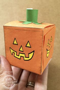 Jack-O-Lantern Craft For Halloween! Mini Pumpkin Printable Paper Craft