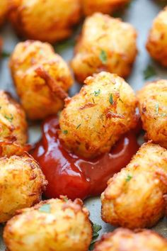 Ahh, tater tots - the better tasting french fry. You could use potatoes for these recipes, but of course, using tater tots is much more fun (and tasty too). Enjoy these 20 tater tot recipes. Tater Tot Recipes, Potato Recipes, Casserole Recipes, Chicken Recipes, Cheeseburgers, Hamburgers, Homemade Tater Tots, Sweet Potato Tots, How To Cook Potatoes