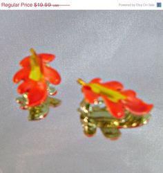 ANNIVERSARY SALE Vintage Leaf Earrings Autumn Flame by waalaa, $16.99