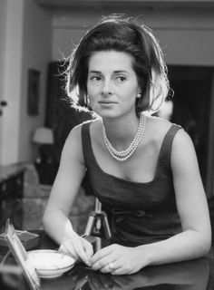 Princess Elizabeth of Yugoslavia, third child and the only daughter of Prince Paul of Yugoslavia (prince regent of Yugoslavia and Princess Olga of Greece and Denmark. Greek Royal Family, Monaco Royal Family, Prince Paul, Princesa Elizabeth, King George I, Royal Blood, Serbia And Montenegro, Elisabeth, Royal Princess