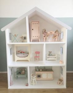 Custom made Maileg house Modern Dollhouse Furniture, Doll Furniture, Big Girl Bedrooms, Kids Bedroom, Toy Rooms, Diy Dollhouse, Handmade Home, Baby Decor, Home Goods