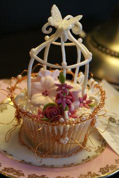 vintage cupcakes — Cupcakes!